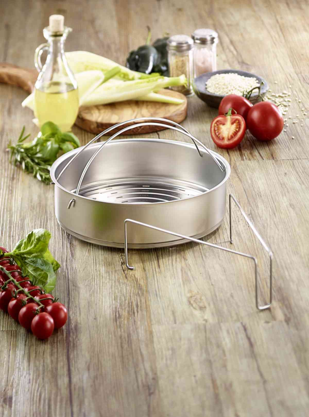 """Perforated Insert with Tripod for 10.25"""" Pressure Cooker"""