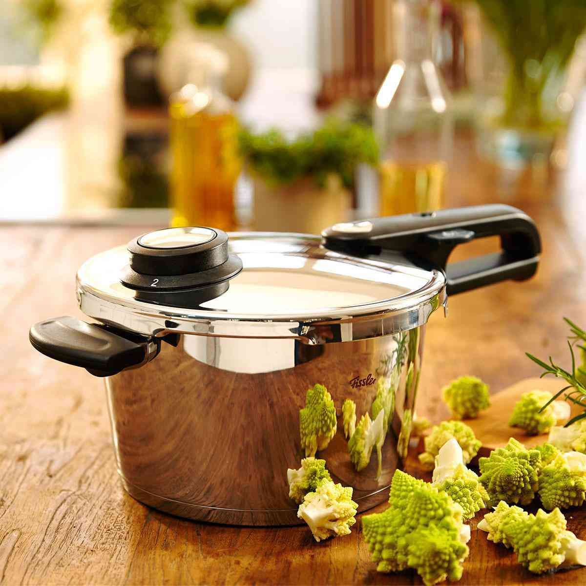vitavit premium pressure cooker 26 cm / 10 ltr.